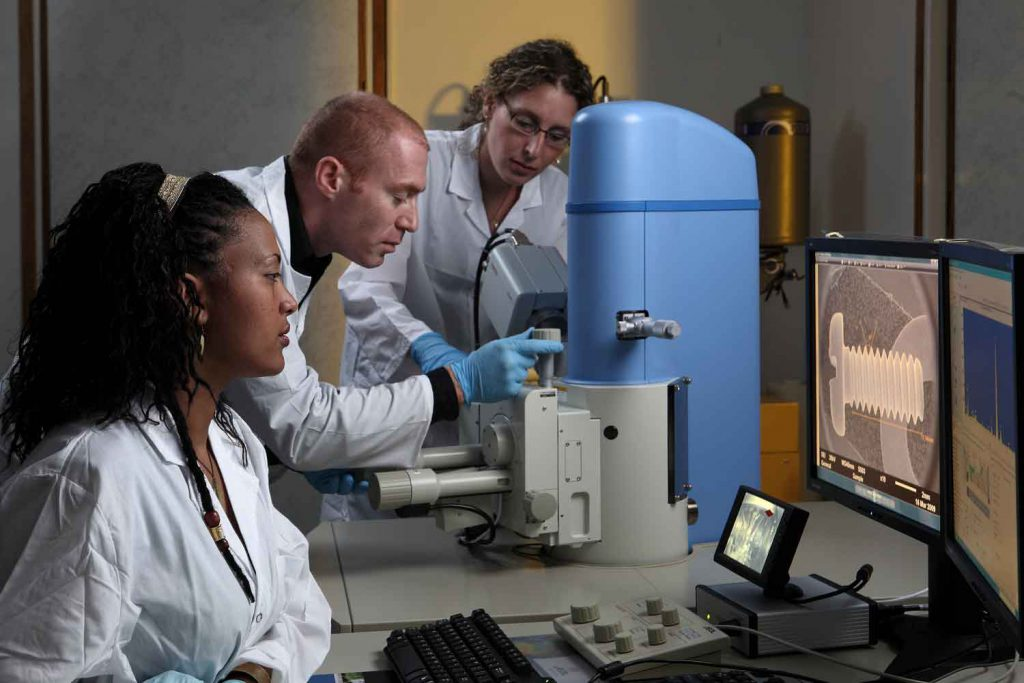 מעבדה למיקרוסקופיה